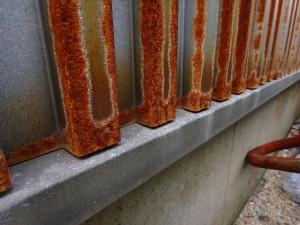ガルバリウム鋼板は錆びます。