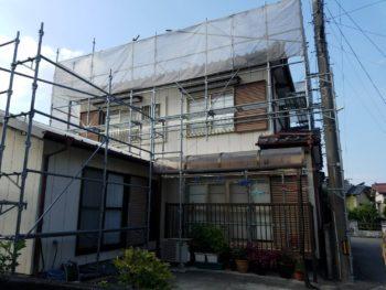 徳島市 外壁屋根無機塗り替え H様邸 洗浄→コーキング撤去・打ち替えをメインに行わせていただいております☆