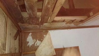 雨漏り箇所であった部屋内部も下地・クロスの張替え