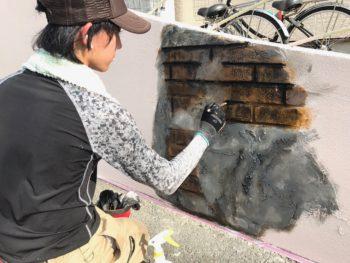 造形モルタル箇所はエイジング塗装を行います