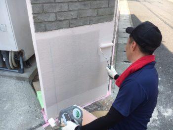 モルタルで造形し、アンティーク調に塗装しない箇所は