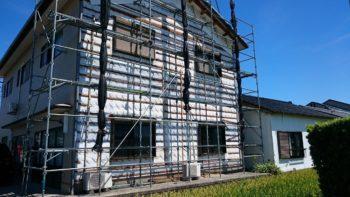 鉄骨住宅でもシロアリ被害は起こりシロアリに木材を食べられます。