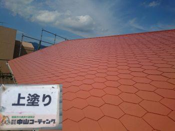 板野郡藍住町 外壁フッ素塗装 屋根無機塗装 きよしげ様 カラーベスト屋根の上塗りをメインに作業完工間近の自社検査などを行わせて頂いております☆