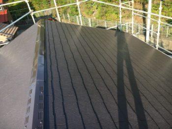 屋根はサーモアイSIで施工完了です!