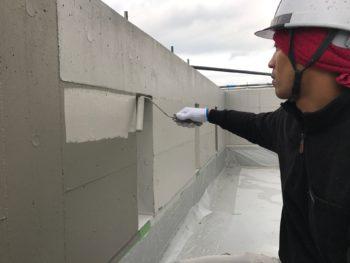 徳島市 コンクリート塗装 I様邸 中塗り・中塗り2が終わり