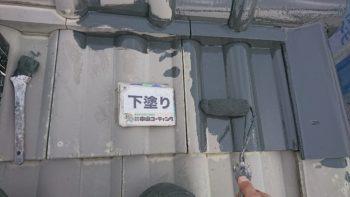 屋根は下塗りを行い付帯錆止め、コーキングは撤去→充填と完了しております(^^)