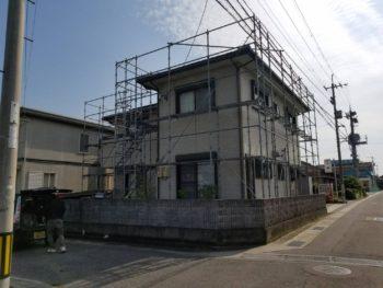 "<img src=""tokusimakenawasi gaihekitosou "" alt=""徳島県阿波市で外壁塗装N様邸"">"
