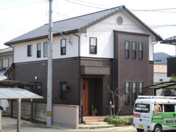徳島市 外壁を1色・2色・3色と塗り分けWB多彩仕上げで外壁塗装・屋根塗装 I様