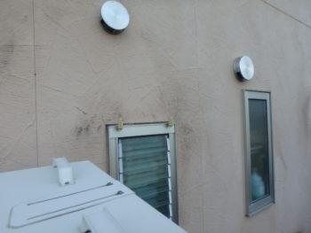 外壁 汚れ 施工前 塗装 黒ずみ
