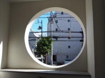 施工後 階段室 丸窓 徳島県 徳島市