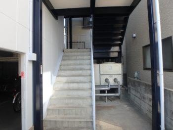 施工後 階段室 徳島県 八万
