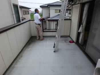 徳島県 藍住町 施工前 バルコニー 汚れ