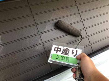 徳島県 松茂町 外壁塗装 中塗り 2回目
