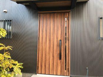 徳島県 藍住町 玄関ドア 取り換え工事 施工後